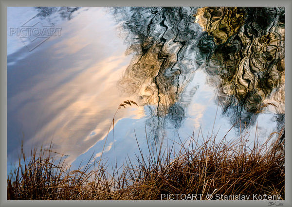 Limitované edice  fotografie s názvem Hladinná kompozice (autor: Stanislav Kožený)